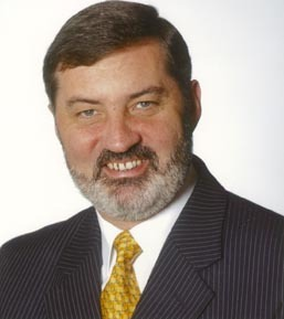 Presbyterian quitter Lord Alderdice endorses pro LGBT Non-Subscribing Church
