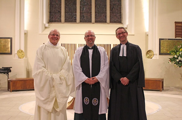 Canon Mark Harvey brings Romanist priest into Lurgan Church of Ireland