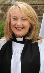 Barking mad – Romanist novena preaching Church of Ireland 'minister' holds dog blessingservice